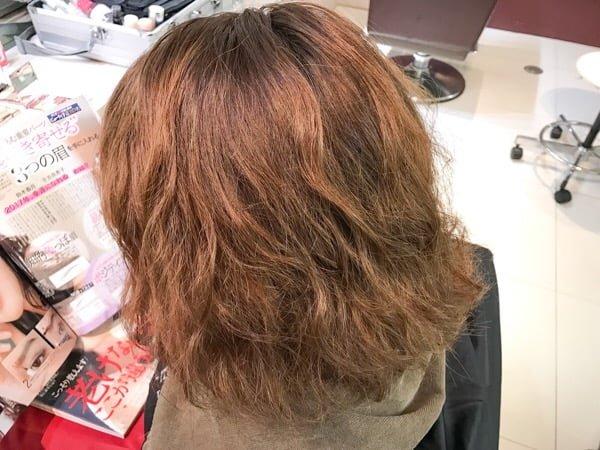 髪を伸ばしているボブスタイル